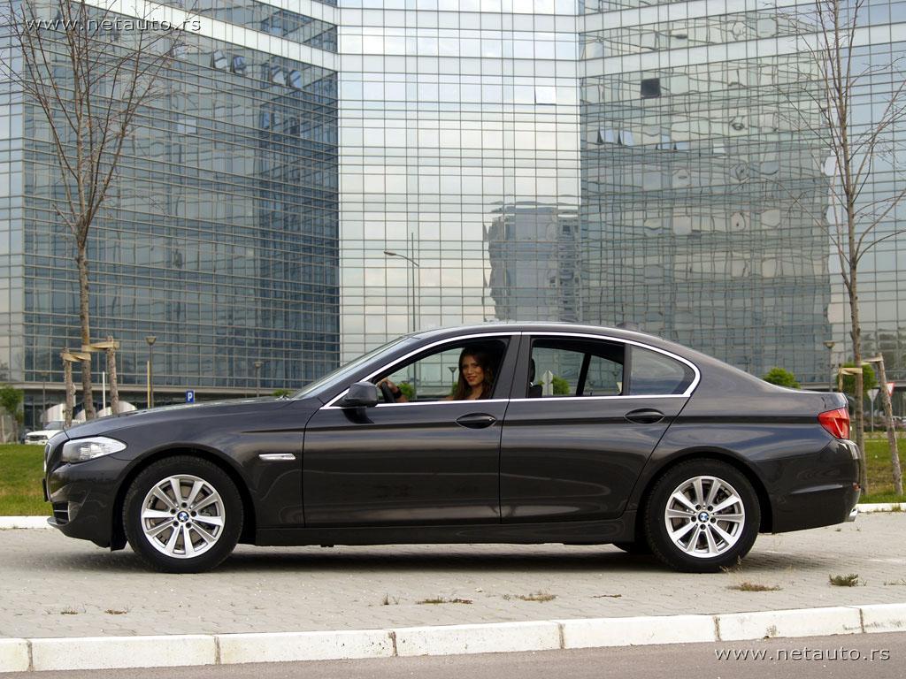 BMW-5-Series_12